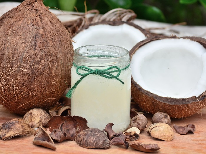 Изображение кокосов с кокосовым молоком