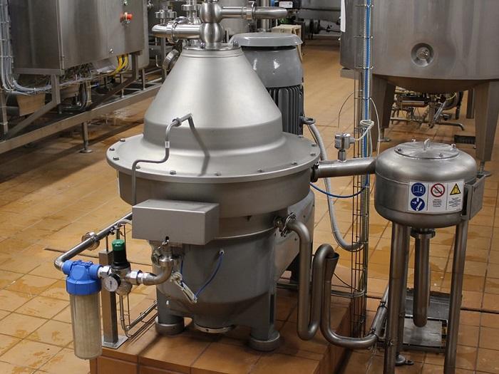 Сепаратор для молока и сливок