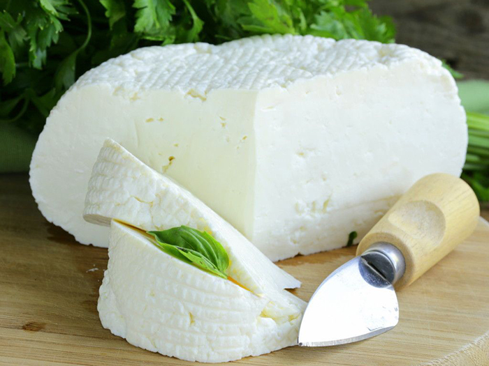Половина круга сыра