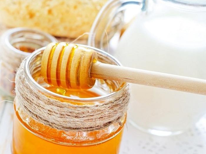 Следует помнить, что использование рецептов с медом и некоторыми другими добавками может вызвать аллергию