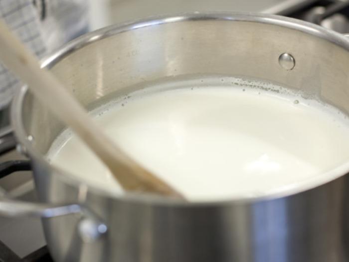 Если вы используете парное молоко, то не следует его перегревать